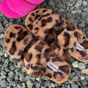 Classic Double Strap Slippers in Leopard